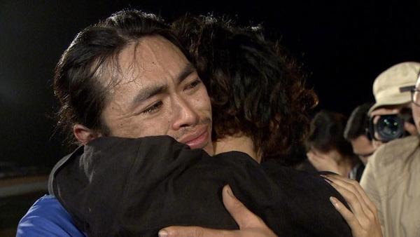 Giây phút gặp gỡ xúc động giữa Tân và anh Lâm - một người bạn gắn bó từ những ngày xuyên Việt.