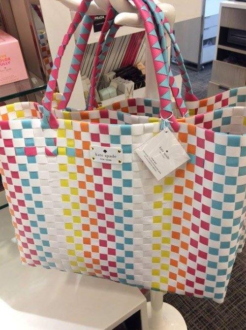 Túi xách của Kate Spade...