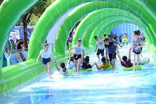 """Lễ hội trượt nước và lặn biển - Clear City Diving đang rục rịch """"xuất chiêu"""" để giúp các bạn trẻ Sài Thành """"đập tan"""" cơn nóng đầu hè. (Ảnh: Internet)."""
