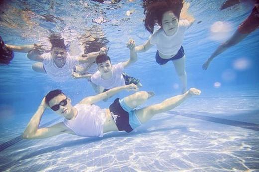 Với một đội ngũ nhiếp ảnh gia chuyên nghiệp, các bạn cũng sẽ có cơ hội sở hữu những tấm hình dưới nước thật vi diệu cùng bạn bè tại khu vực lặn biển lớn nhất Việt Nam này. (Ảnh: Internet)