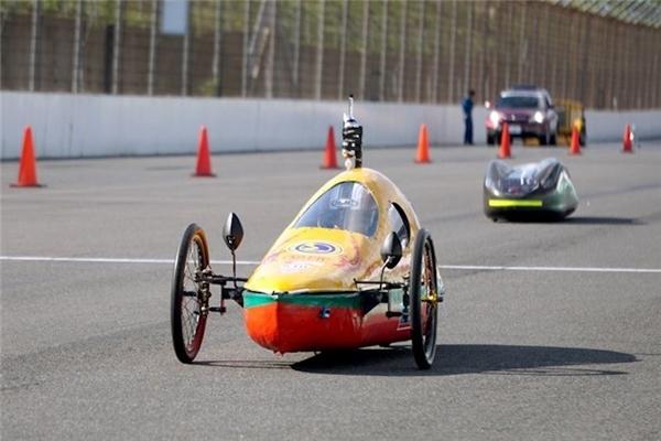 """Không thể ngờ chiếc xe tự chế này chạy 3000km """"ngốn"""" chỉ 1 lít xăng"""