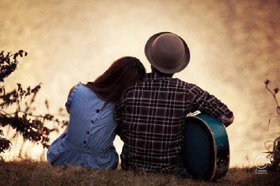 Tình yêu bắt nguồn từ những điều vô cùng giản dị. (Ảnh minh họa)