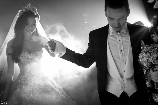 Căp đôi Lương Thế Thành - Thúy Diễm đã chính thức nên duyên vợ chồng vào ngày 12/04 vừa qua tại quê nhà của chú rể ở Cai Lậy - Tiền Giang. - Tin sao Viet - Tin tuc sao Viet - Scandal sao Viet - Tin tuc cua Sao - Tin cua Sao