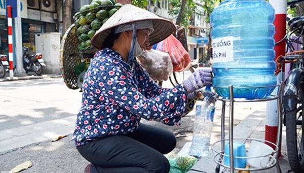 Không khó để tìm một bình nước như thế này ở Sài Gòn.(Ảnh: Internet)