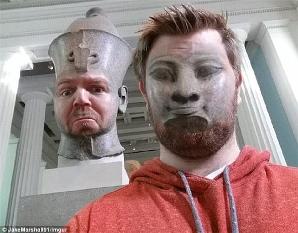 """Cũng vì thế mà khuôn mặt các bức tượng sau khi được áp vào mặt Jake cũng khiến cộng đồng mạng """"không nhặt được mồm"""". (Ảnh: Jake Marshall)"""