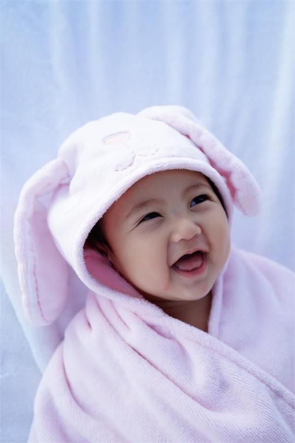 Mê mẩn cô công chúa xinh như thiên thần nhà Hà Kiều Anh - Tin sao Viet - Tin tuc sao Viet - Scandal sao Viet - Tin tuc cua Sao - Tin cua Sao