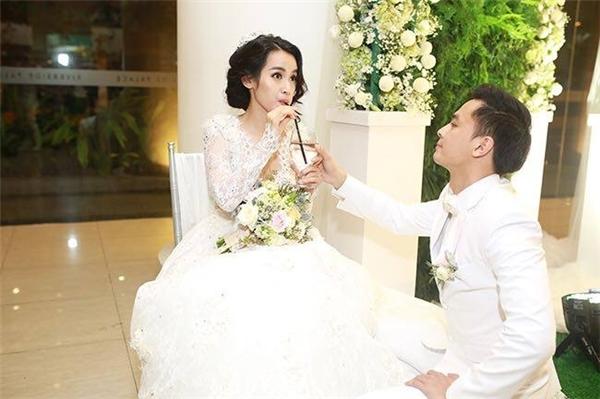 Ngày cưới của Văn Anh - Tú Vi
