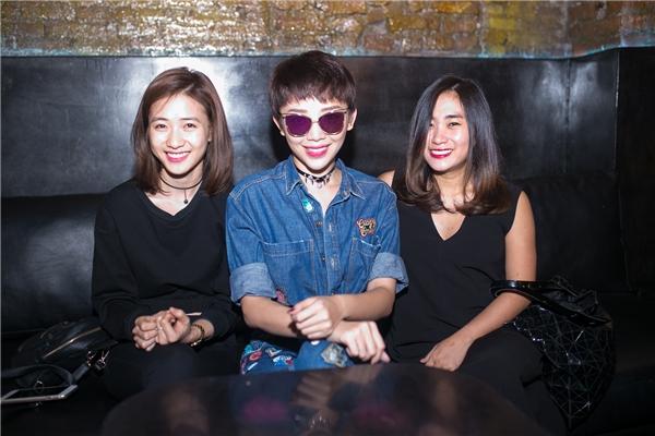 Tóc Tiênkhá thân thiết với hotgirl Trâm Anh và nữ ca sĩ Nhật Thu - Tin sao Viet - Tin tuc sao Viet - Scandal sao Viet - Tin tuc cua Sao - Tin cua Sao