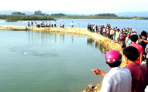Đoạn sông Trà Khúc, nơi 9 nam sinh gặp nạn. Ảnh: Vnexpress