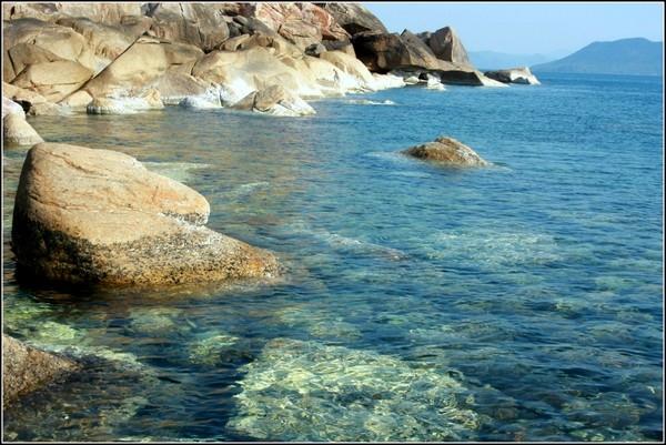 Lùi vào vùng đất ở phía nam miền Trung, chính là bãi biển Phú Yên đẹp tựa xứ sở thần tiên. (Ảnh: Internet)