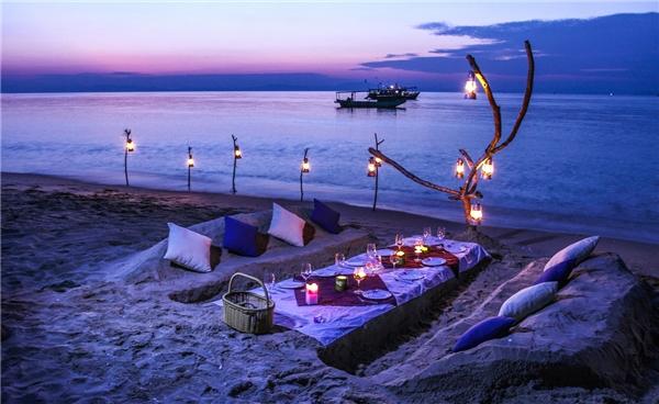 Biển Cô Tô dịu dàng về đêm với tiếng sóng thì thầm, như ai nói khẽ vào tai. (Ảnh: Internet)