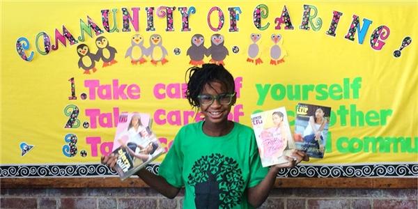 Cô gái nhỏ tạo sự thay đổi táo bạobằng chiến dịch quyên góp sách. (Ảnh: Internet)
