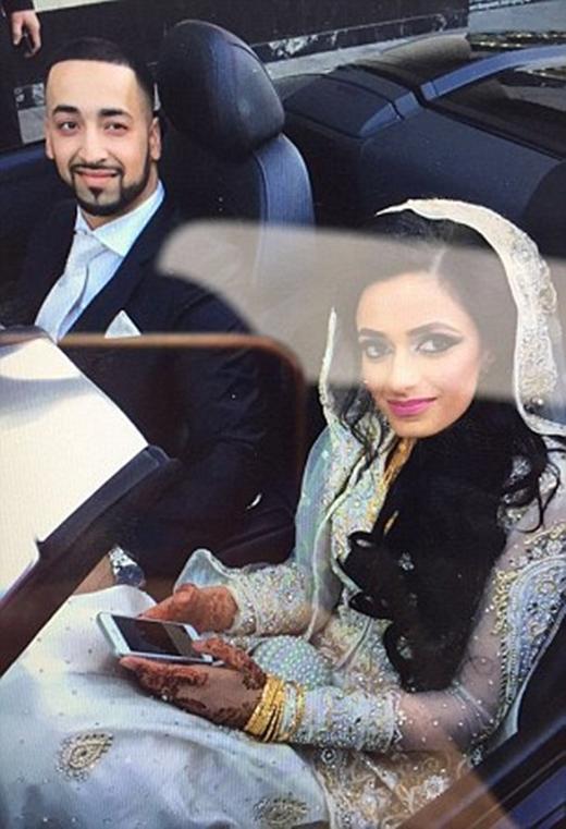 Anh Ali và vợ 1 ngày trước khi xảy ra tai nạn.