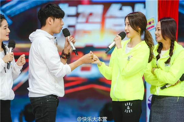 Ngoài phim ảnh, Yoona còn chăm chỉ tham gia chương trình thực tế tại Truong Quốc