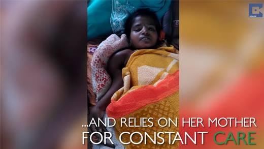 Kinh hoàng căn bệnh lạ biến cô gái 25 tuổi thành trẻ con