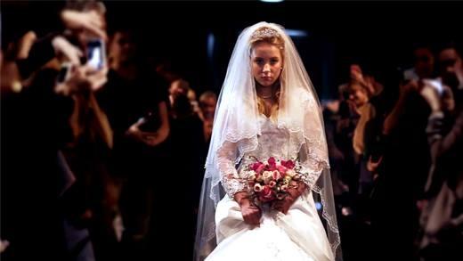 Đoạn clip đám cưới của bé gái 12 tuổi khiến cả thế giới câm lặng