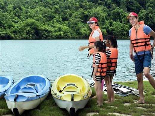 Giải nhiệt cơn nóng đầu hè với những trò chơi trên nước độc đáo nhất tại Madagui
