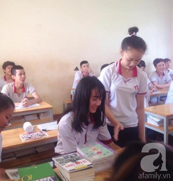Cô háo hức trong ngày đầu tiên đi học - ảnh: Gia đình cung cấp.