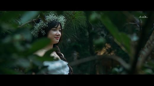 """Nhã Phương """"bỏ bê"""" Trường Giang, """"mê"""" trai lạ trong phim mới"""