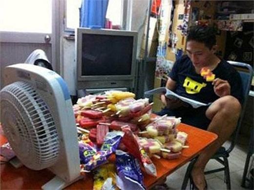Kem + quạt máy = Combothần thánh của mùa hè. (Ảnh: Internet)