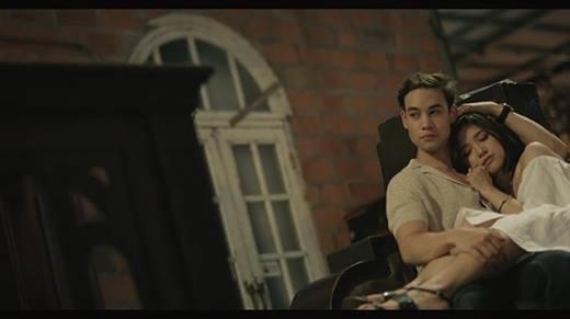 """Thừa thắng xông lên, Suni Hạ Linh tung """"Em Đã Biết"""" phiên bản acoustic"""