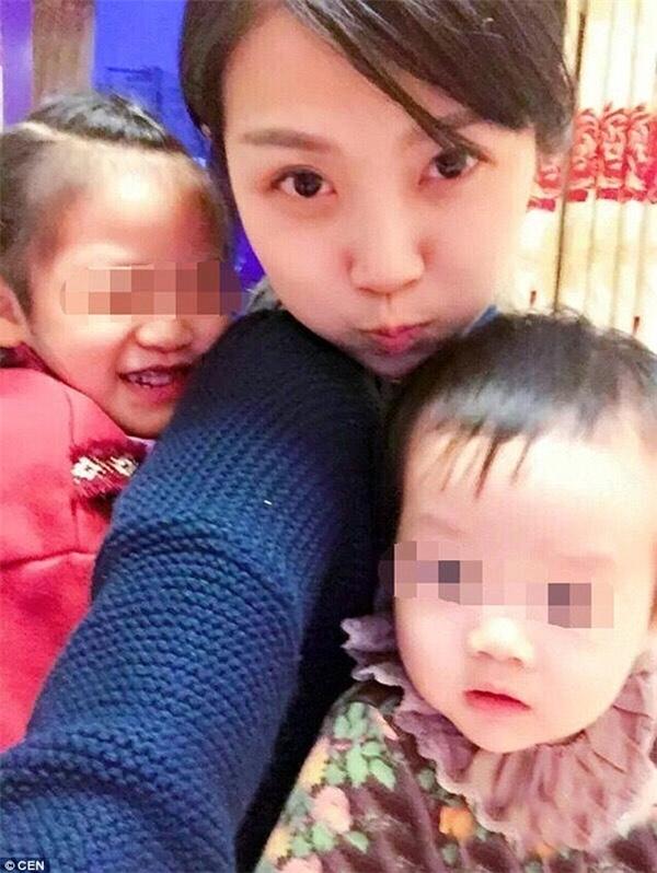 Lý Lạc có ngoại hình khá ưa nhìn và sinh được hai bé gái cũng rất đáng yêu. (Ảnh: Internet)