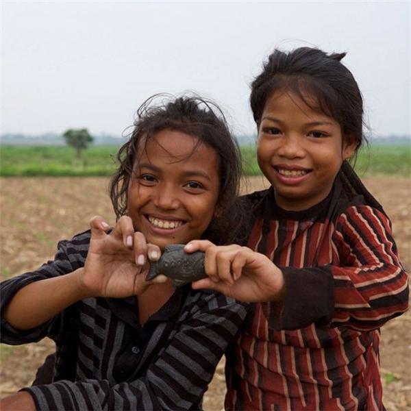Sau 12 tháng nấu chung cá sắt với thức ăn, phân nửa người dân Cambodia đã không còn bị thiếu máu nữa.