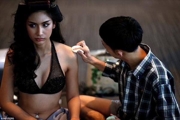 Các thí sinh sẽ phải trải qua nhiều vòng thi như các cuộc thi sắc đẹp khác, trong đó có cả bikini hay trang phục dạ hội.