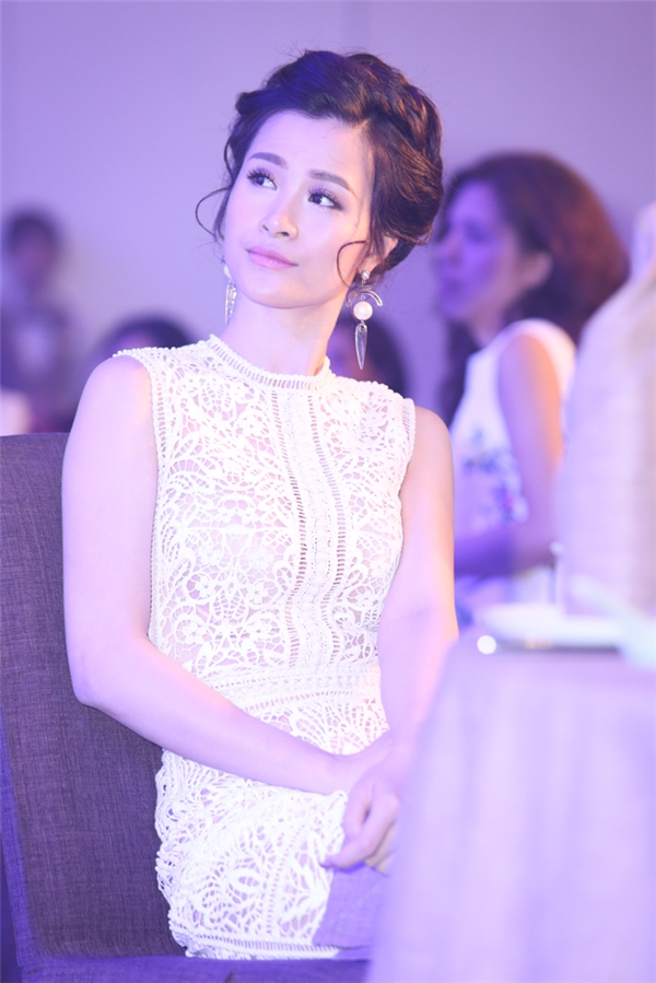 """Với hình ảnh đẹp, con đường hoạt động nghệ thuật nghiêm túc, thành công liên tiếp trong nhiều năm qua, Đông Nhi đang là lựa chọn hàng đầu của rất nhiều thương hiệu lớn và dần vươn lên vị trí """"Nữ hoàng quảng cáo mới"""" của showbiz Việt. - Tin sao Viet - Tin tuc sao Viet - Scandal sao Viet - Tin tuc cua Sao - Tin cua Sao"""