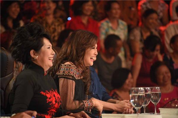 Lưu Bích cuốn hút với vẻ đẹp ở tuổi 50 - Tin sao Viet - Tin tuc sao Viet - Scandal sao Viet - Tin tuc cua Sao - Tin cua Sao
