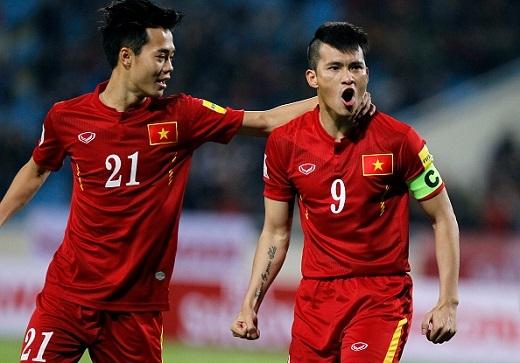 Công Vinh gặp chấn thương từ trận gặp Đài Loan (TQ), nhưng anh vẫn nín đau để ra sân trong trận gặp Iraq.