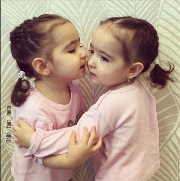 Kiểu tóc tết bím là gợi ý hay cho các bé gái mùa hè này để vừa đẹp mà vẫn đảm bảo được sự mát mẻ.