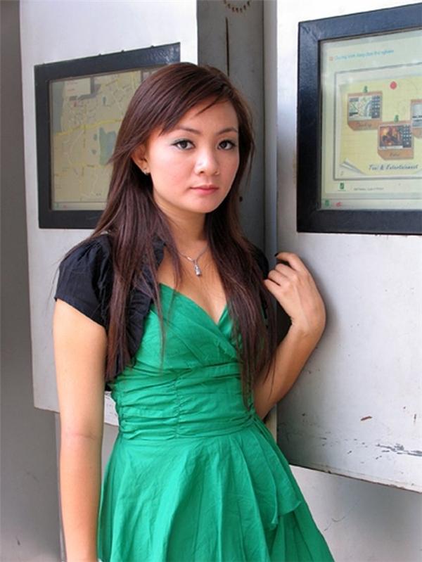 Những hình ảnh khi Xuân Mai trưởng thành khiến nhiều người ngỡ ngàng vì quá khác biệt so với lúc nhỏ. Cô nàng cũng từng trở về Việt Nam vài lần vào dịp hè tuy nhiên phản ứng của dư luận lại không mấy tích cực. - Tin sao Viet - Tin tuc sao Viet - Scandal sao Viet - Tin tuc cua Sao - Tin cua Sao