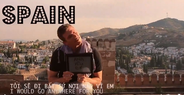 Chàng trai nói Anh yêu em ở Tây Ban Nha