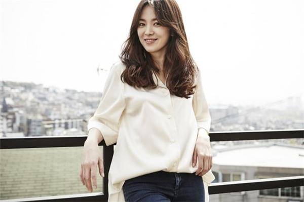 Song Hye Kyo trong buổi phỏng vấn, trả lời câu hỏi của người hâm mộ châu Á gửi đến