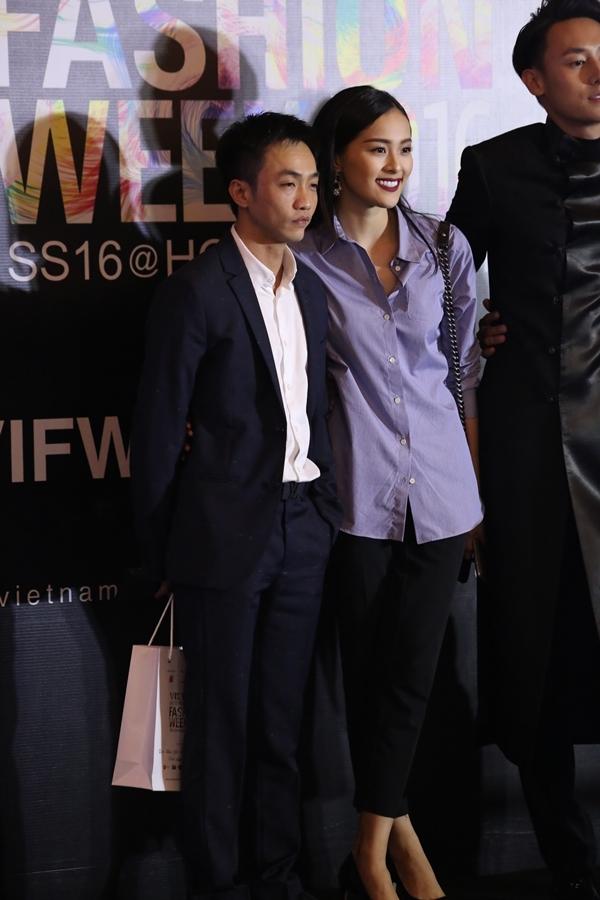 Cặp đôi cùng nhau tới tham dựVietnam International Fashion Week. - Tin sao Viet - Tin tuc sao Viet - Scandal sao Viet - Tin tuc cua Sao - Tin cua Sao
