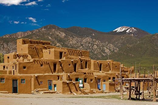 Nhiều người tới thành phố Taos không phải để tham quan mà để nghe âm thanh bí ẩn đó. (Ảnh: Internet)