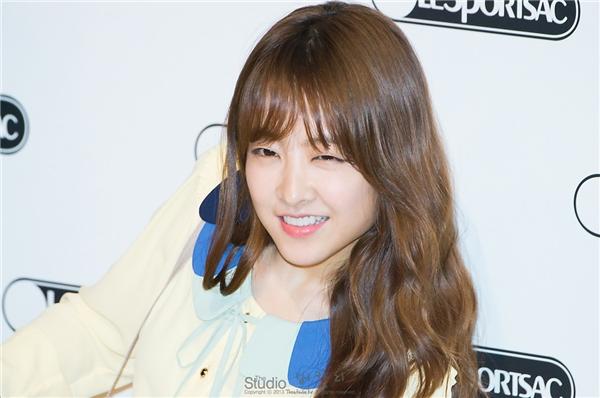 """Park Bo Young (sinh năm 1990)được biết đến là một trong những """"em gái quốc dân"""" đời đầu của làng giải trí xứ Hàn. Không chỉ được khán giả yêu mến bởi khả năng diễn xuất cực ổn, cô nàng còn khiến mọi người ganh tị bởi vẻ ngoài trẻ trung dù đã bước sang tuổi 26."""