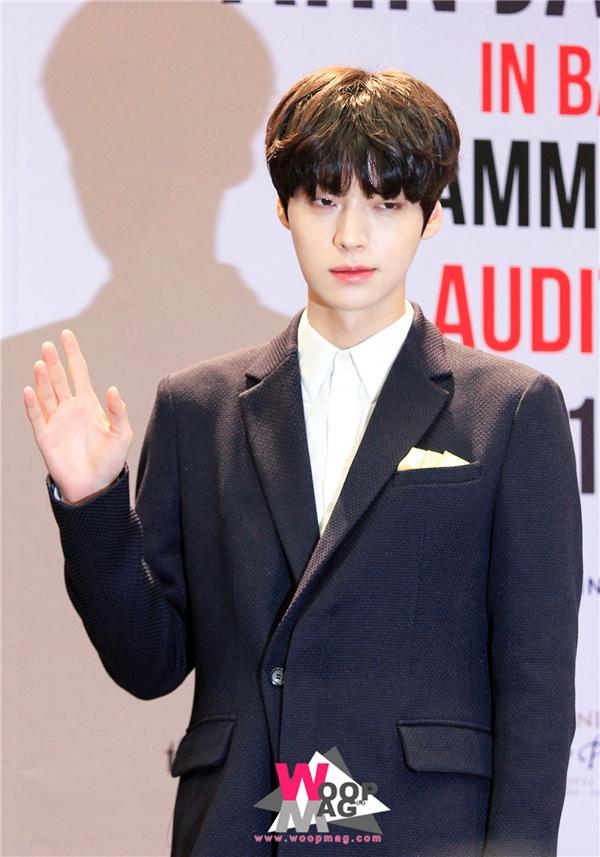 """Được biết đến khi vào vai em trai của """"mợ chảnh"""" trong You Came From The Stars, Ahn Jae Hyun (sinh năm 1987)khiến khán giả """"bật ngửa"""" khi phát hiện năm nay anh đã bước sang tuổi 30 và sắp sửa trở thành """"chồng người ta"""" trong năm nay."""