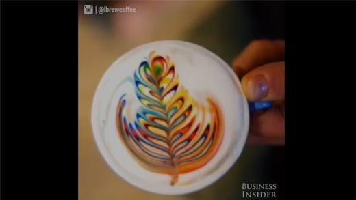 Thích thú với clip cà phê cầu vồng đầy màu sắc 17 triệu lượt xem