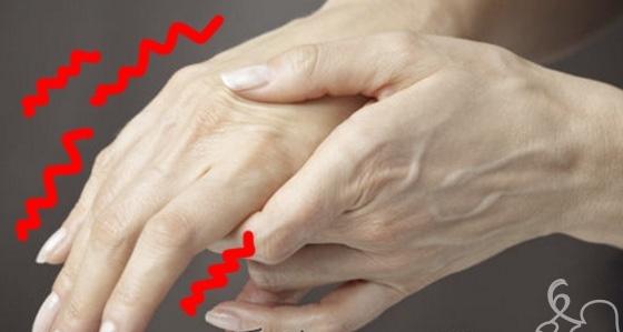 Cánh tay trái thường tê là dấu hiệu của bệnh tim. (Ảnh: Internet)