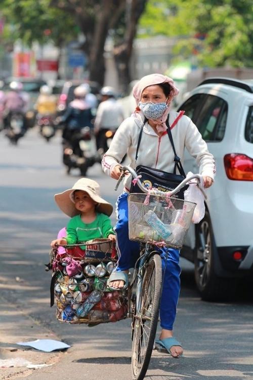 ức ảnh Mẹ và Em chụp vào tháng 4/2016 tại Đà Nẵng (Ảnh: Nguyễn Vĩnh Sơn).