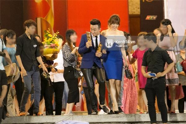 Hari Won bị bắt gặp theo Trấn Thành về nhà riêng - Tin sao Viet - Tin tuc sao Viet - Scandal sao Viet - Tin tuc cua Sao - Tin cua Sao