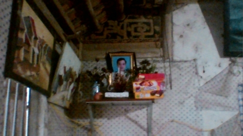 Ban thờ của anh Huy mới mất tháng 9/2015.