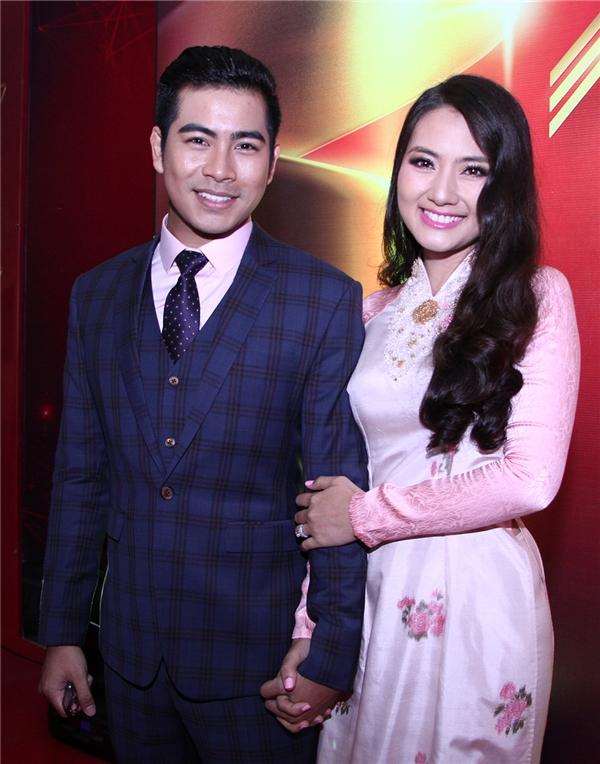 Cặp đôi Ngọc Lan - Thanh Bình tay trong tay hạnh phúc tham dự lễ trao giải - Tin sao Viet - Tin tuc sao Viet - Scandal sao Viet - Tin tuc cua Sao - Tin cua Sao