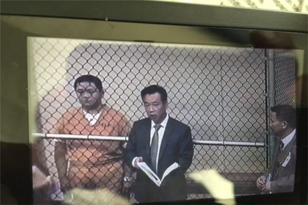 Luật sư Đỗ Phủ thông tin thêm, cả 12 vị bồi thẩm đoàn phải đồng nhất, có tội hoặc không có tội thì vụ án mới đưa ra được kết quả cuối cùng. Nếu một người có ý kiến khác, thì phiên tòa sẽ phải xử lại. - Tin sao Viet - Tin tuc sao Viet - Scandal sao Viet - Tin tuc cua Sao - Tin cua Sao