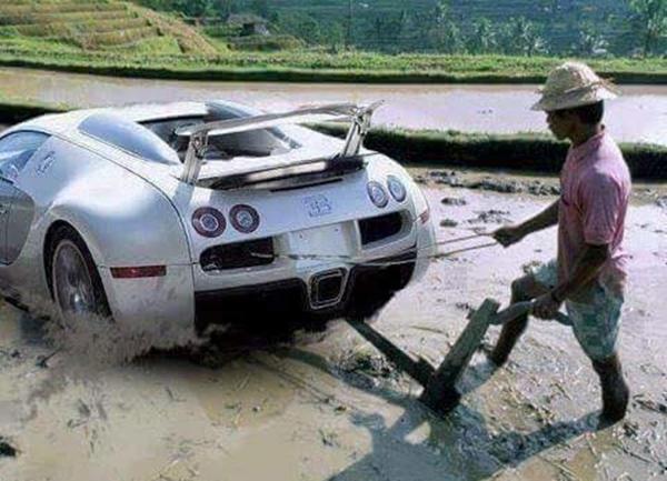 11. Nếu không chê anh nghèo, thì lên xe anh đèo.