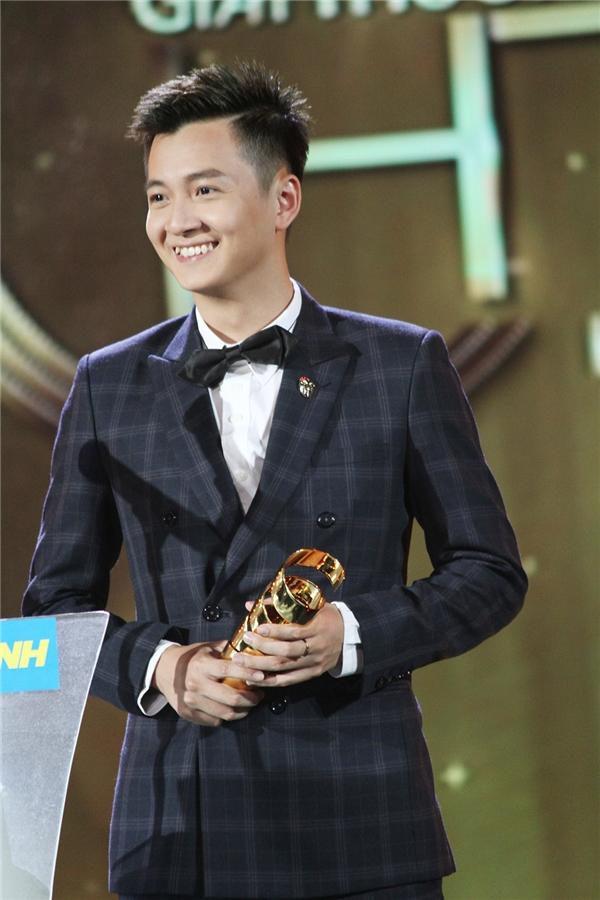 Ngô Kiến Huy bất ngờ với giải thưởng Nghệ sĩ triển vọng - Tin sao Viet - Tin tuc sao Viet - Scandal sao Viet - Tin tuc cua Sao - Tin cua Sao