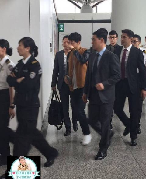 """Vệ sĩ Trung Quốc """"làm quá"""", ảnh hưởng đến hình ảnh của Song Joong Ki"""