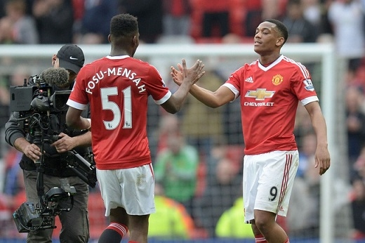 Hai sao trẻ Man Utd rủ bạn gái cũ của Ashley Cole làm chuyện ấy